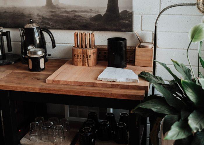 Houten werkblad in de keuken